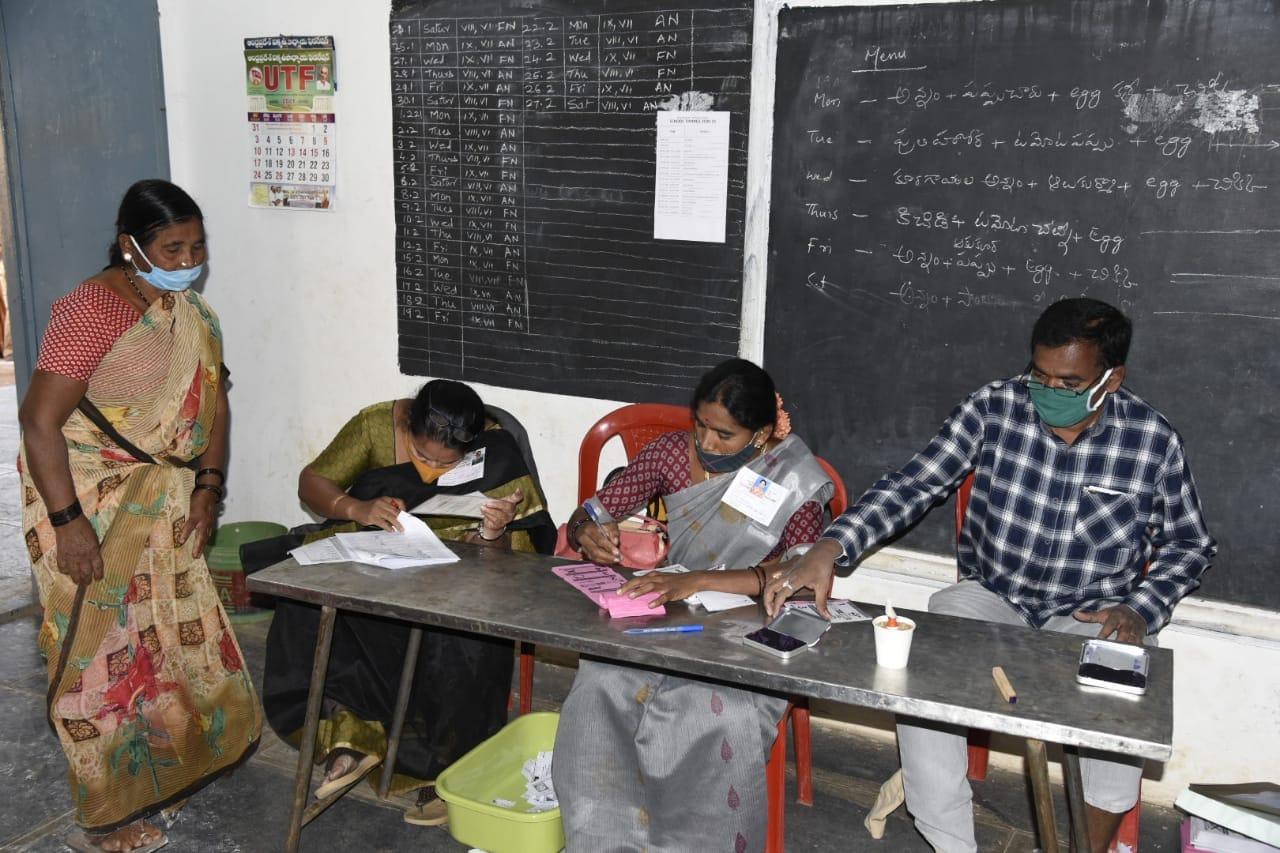 <br /> ప్రకాశం జిల్లాలో రాష్ట్రంలోనే అత్యధికంగా 86.60శాతం ఓటు వేశారు.