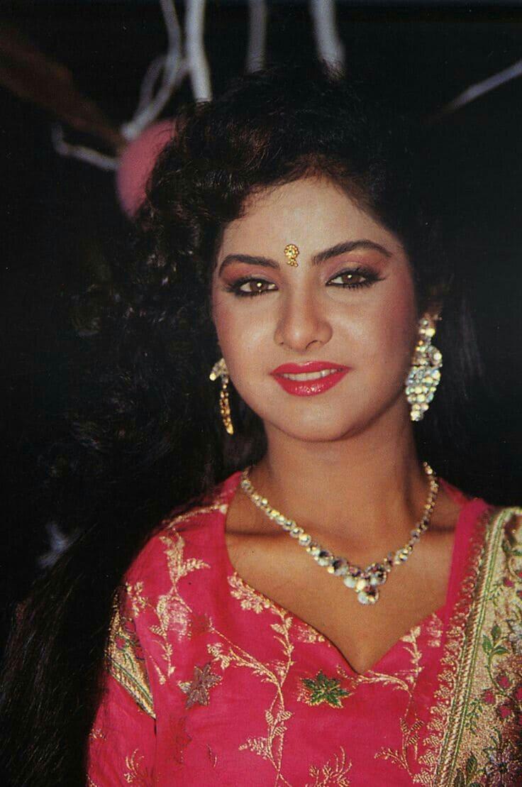 Happy Birthday Divya Bharathi : దివ్యభారతి రేర్ పిక్స్ Photo : Twitter