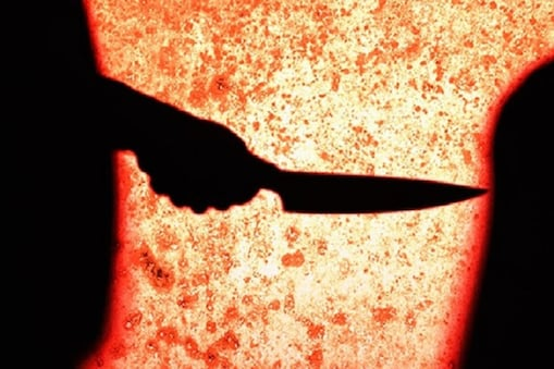Attempt to murder: అనుమానం పెనుభూతమై.. భార్యపై 25 కత్తి పోట్లు.. రక్తపు మడుగులో ఆమె..