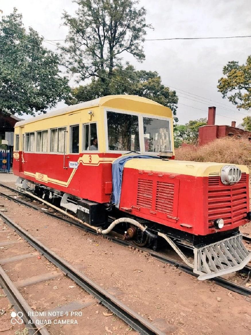 7. రైల్ మోటార్ కార్లో ప్రయాణించాలంటే రూ.800 చెల్లించాలి. కేవలం ఫస్ట్ క్లాస్ టికెట్ మాత్రమే ఉంటుంది. https://www.irctc.co.in/ వెబ్సైట్లో ఇప్పటికే టికెట్ బుకింగ్ ప్రారంభమైంది. (image: Indian Railways)