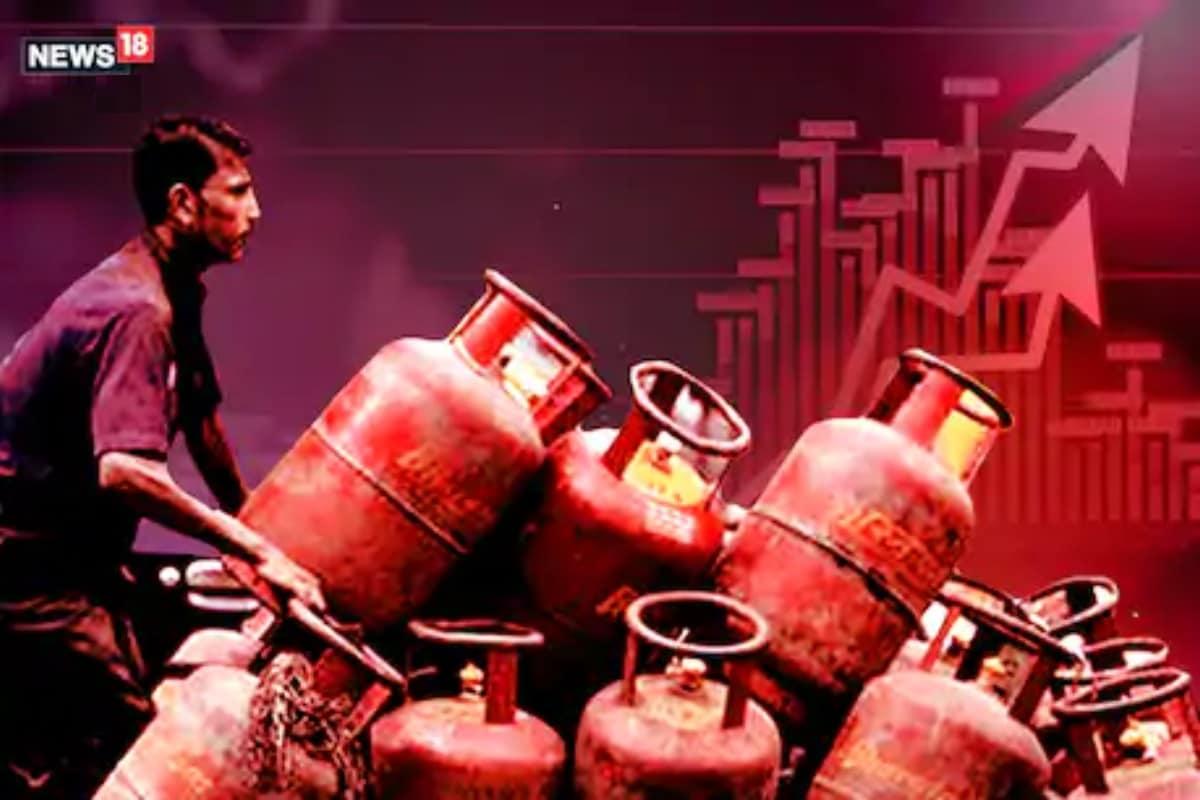 మూడు నెలల్లో రూ.125 పెరిగి ప్రస్తుతం గ్యాస్ సిలిండర్ ధర హైదరాబాద్లో రూ.819కి పెరిగింది. ఒక్కో నగరంలో ఒక్కో రేటు ఉంటుంది. (ప్రతీకాత్మక చిత్రం)