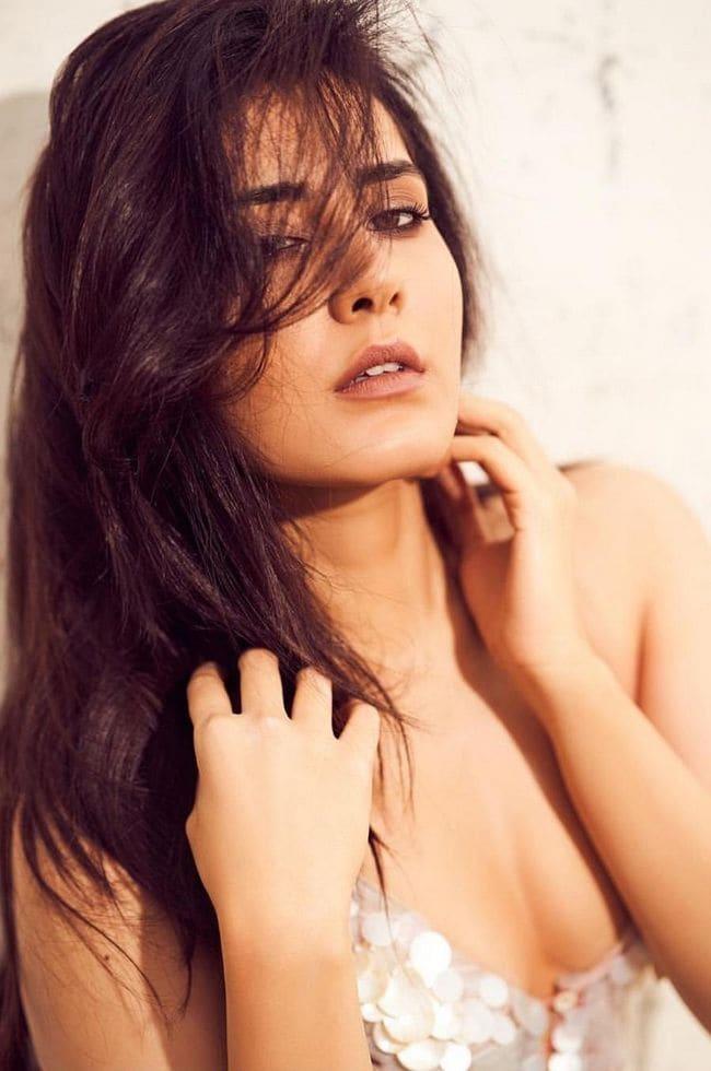 రాశీ ఖన్నా హాట్ ఫోటోషూట్ (Raashi Khanna photos/Instagram)