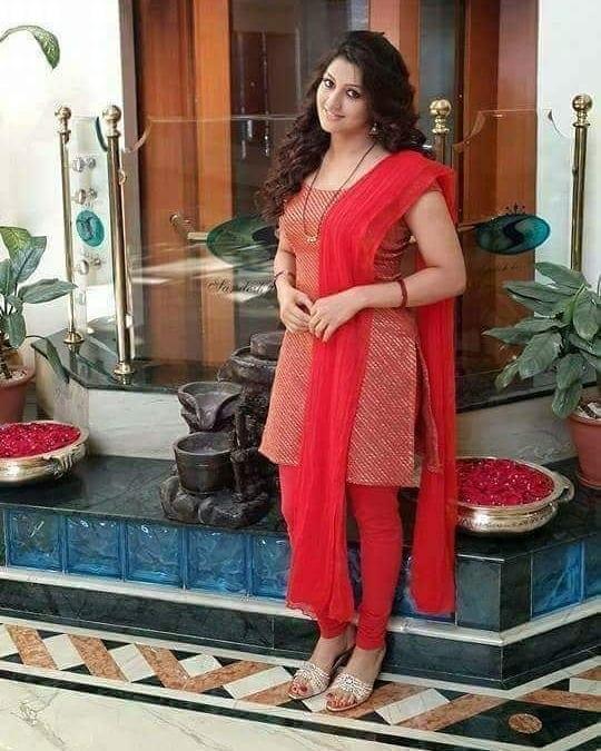 రాధిక కుమారస్వామి లేటెస్ట్ పిక్స్ (RadhikaKumarswamy/Instagram/Photos)
