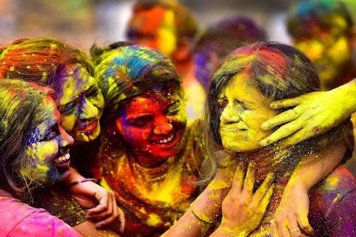 Telangana: తెలంగాణలో హోలీ, ఉగాది, రంజాన్ సహా అన్ని పండుగలపై ఆంక్షలు.. ఇవీ రూల్స్