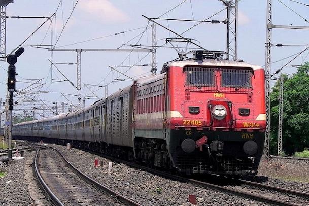 Trains Cancelled: తౌక్తే తుఫాను ఎఫెక్ట్.. మరో ఆరు రైళ్లు రద్దు.. అవేంటంటే..