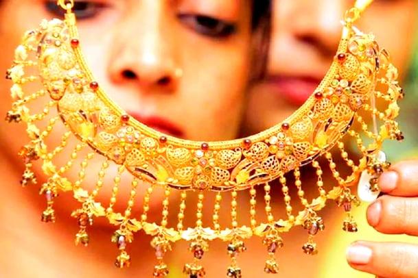 Gold rate today: బంగారం, వెండి ధరలు పెరిగే ఛాన్స్... గోల్డ్పై స్టాక్ మార్కెట్ల ప్రభావం