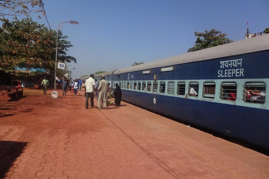 10. రైలు నెంబర్ 07011 హైదరాబాద్-సిర్పూర్ కాగజ్నగర్ మధ్య ప్రతీ రోజు, రైలు నెంబర్ 07012 సిర్పూర్ కాగజ్నగర్-హైదరాబాద్ మధ్య ప్రతీ రోజు నడుస్తాయి. (ప్రతీకాత్మక చిత్రం)