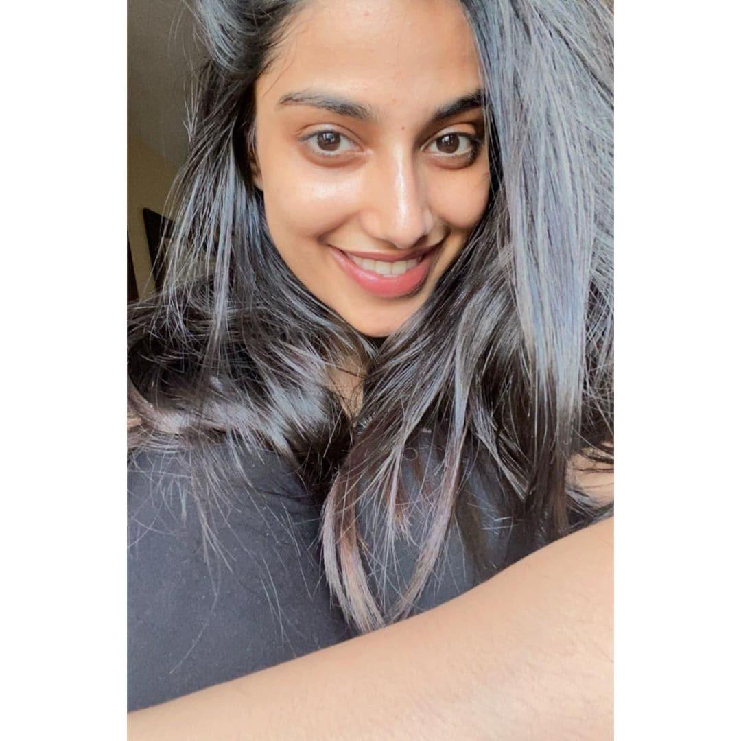 రవితేజ 'ఖిలాడి' ఫేమ్ మీనాక్షి చౌదరి ఫోటోస్ (Instagram/Photos/Meenakshi Chaudhary)