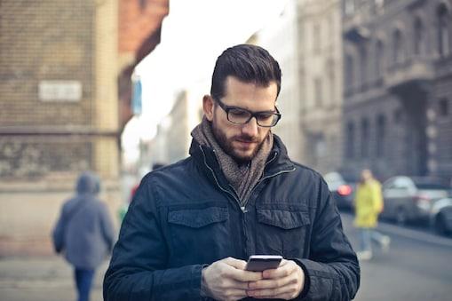 Smartphone Multitasking: స్మార్ట్ఫోన్తో మల్టీటాస్కింగ్ చేస్తున్నారా? ప్రాణాల మీద ఆశలు వదులుకోండి అంటున్న నిపుణులు