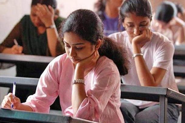 CBSE Exams: వారికి ఆ నెలలోనే సీబీఎస్ఈ పరీక్షలు.. కేంద్రమంత్రి క్లారిటీ..