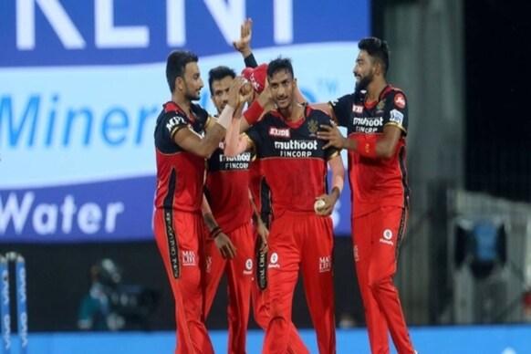 SRH vs RCB మ్యాచ్ టర్నింగ్ పాయింట్ అంత ఆ ఓవర్లోనే..  షబాజ్ఎంత పని చేశాడు!
