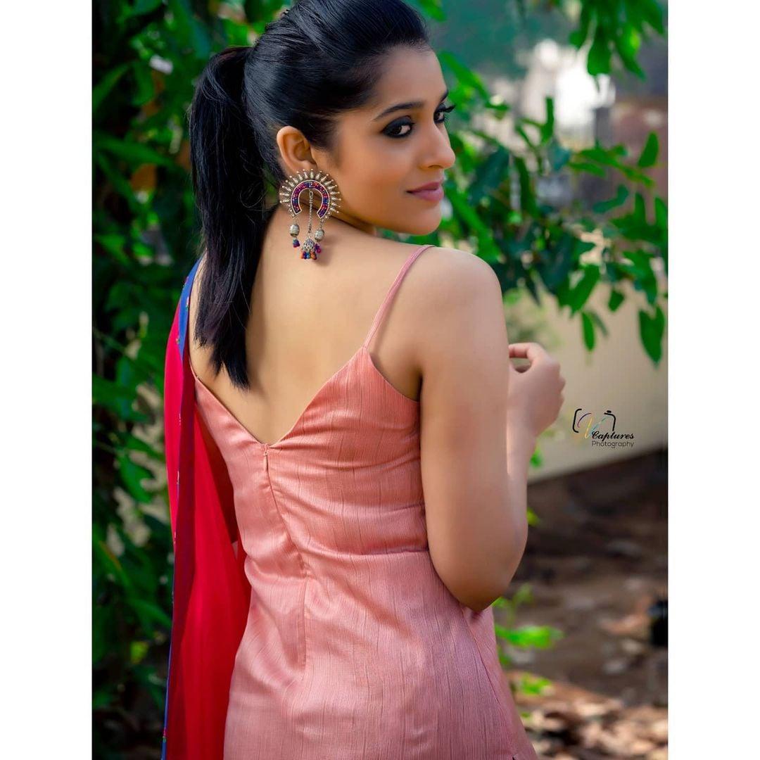 Rashmi Gautam : రష్మీ గౌతమ్ (Image:Instagram.com/rashmigautam/)