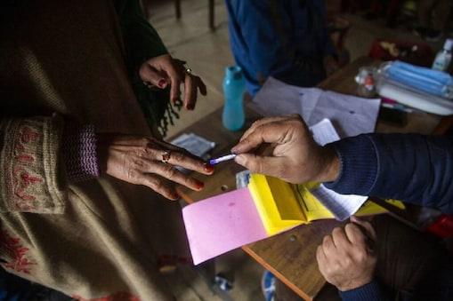 Bengal Elections: బెంగాల్లో ఒకే విడతలో ఎన్నికలు జరగనున్నాయన్న ప్రచారంపై ఈసీ క్లారిటీ..!