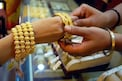 Gold: బంగారం కొనాలని ప్లాన్ ఉందా...అయితే ఇఫ్పుడే కొనేయండి...ఎందుకో తెలిస్తే షాక్ తింటారు..