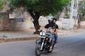 కొడుకుతో హైదరాబాద్ వీధుల్లో చక్కర్లు కొడుతున్న ఎన్టీఆర్!