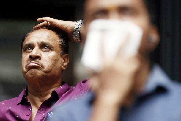 Stock Market crash: మార్కెట్ క్రాష్ అవుతున్న సమయంలో ఈ తప్పులు అస్సలు చేయకండి