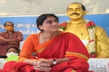 YS Sharmila: దీక్ష ముగించుకుని ఇంటికి వెళుతున్న వైఎస్ షర్మిల అరెస్ట్..