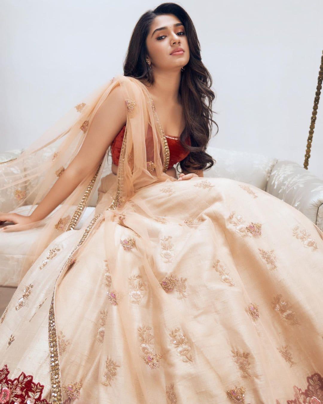 నెంబర్ 1 యారి షోలో వైష్ణవ తేజ్ తో అందాల ముద్దుగుమ్మ కృతి శెట్టి Photo Credit: Instagram