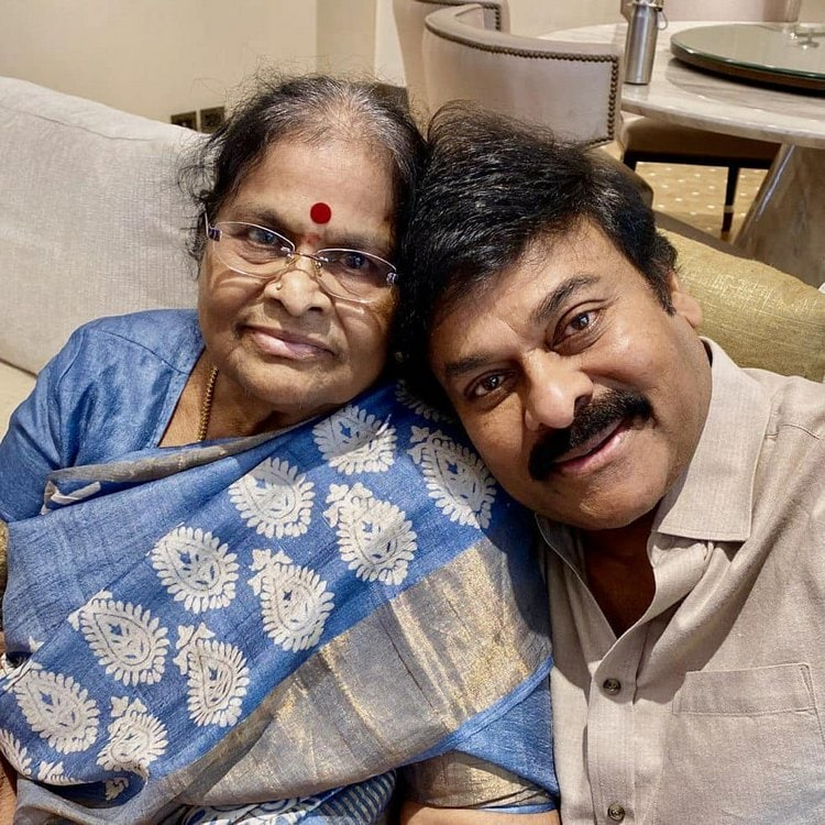Mothers Day : మదర్స్తో సినీ సెలెబ్స్.. తల్లితో మెగా స్టార్ Photo : Twitter