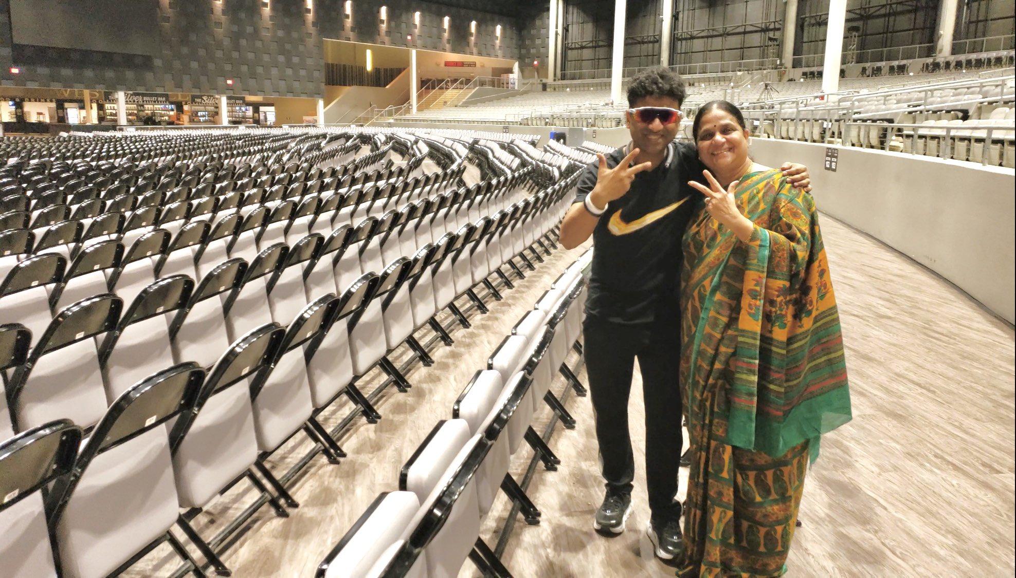 Mothers Day : మదర్స్తో సినీ సెలెబ్స్.. తల్లితో దేవిశ్రీ ప్రసాద్ Photo : Twitter