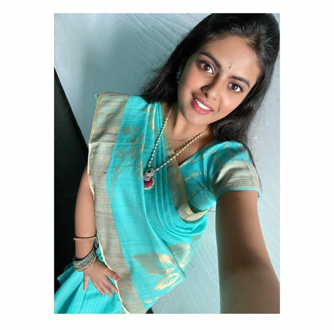 పూరీ జగన్నాథ్ కూతురు పవిత్ర ఫోటోలు (Pavithra Puri photos/Facebook)