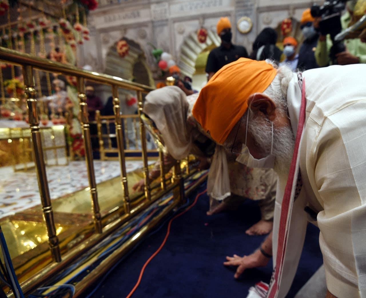 1675లో గురు తేగ్ బహదూర్ను మొఘల్స్ తల నరికి ప్రాణం తీశారు. ఆయన త్యాగాలను స్మరించుకుంటూ... సిక్కులు ఈ గురుద్వారాను నిర్మించారు.