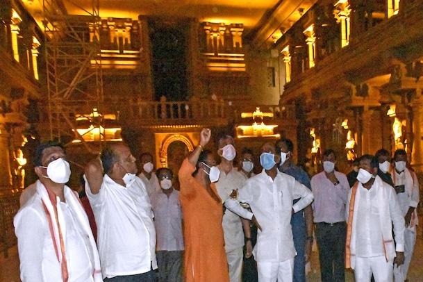 CM KCR :రాత్రిపూట యాదాద్రిని సందర్శించిన సీఎం కేసిఆర్..మూడు నెలల్లో ఆలయ నిర్మాణం పూర్తి