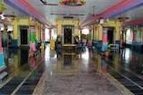 Nizamabad : పూజలకు పెట్టుబడి... కోటి రూపాయలతో ఉడాయించిన పూజారి..!