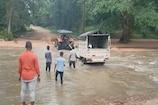 Telangana News: ఉప్పొంగిన వాగు.. వాగు వద్దే ప్రసవించిన మహిళ.. ఎక్కడంటే..