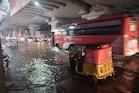 Heavy Rains: కుండపోతతో తడిసి ముద్దైన భాగ్యనగరం.. బయటకు ఎవరూ రావొద్దంటూ హెచ్చరిక
