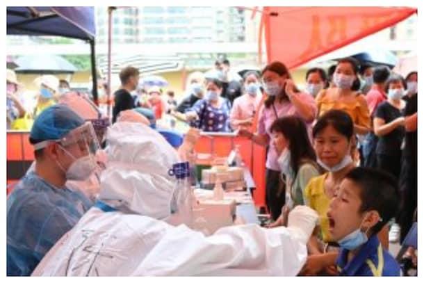 China: చైనాలో మళ్లీ విజృంభిస్తున్న కరోనా.. పలు ప్రాంతాల్లో పాఠశాలలు, విమానాశ్రయాలు బంద్
